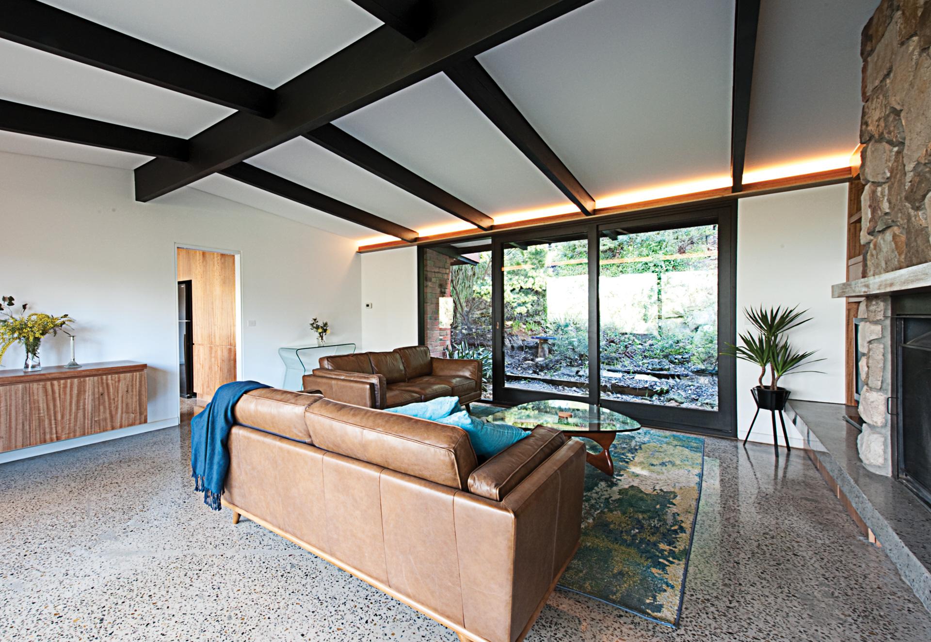 ecobuilt-lounge-park-orchards-1